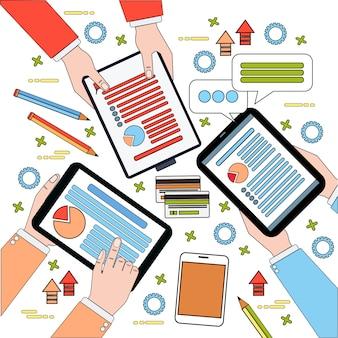 Vista superior do local de trabalho de negócios, os empresários trabalham o processo com diagramas e documentos, mãos segurando digital comprimidos e laptop