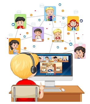 Vista traseira do menino olhando para o computador para videoconferência em fundo branco