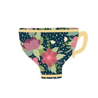 Xícara de chá bonita com flor e folhas isoladas no fundo branco.