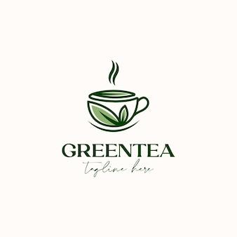 Xícara de chá com folha verde modelo de logotipo de chá verde isolado no fundo branco