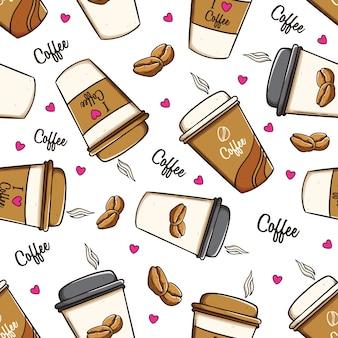 Xícaras de café e grãos de café no padrão sem emenda