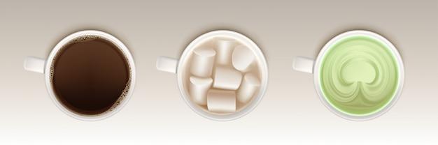 Xícaras de café, matcha e cacau com marshmallow