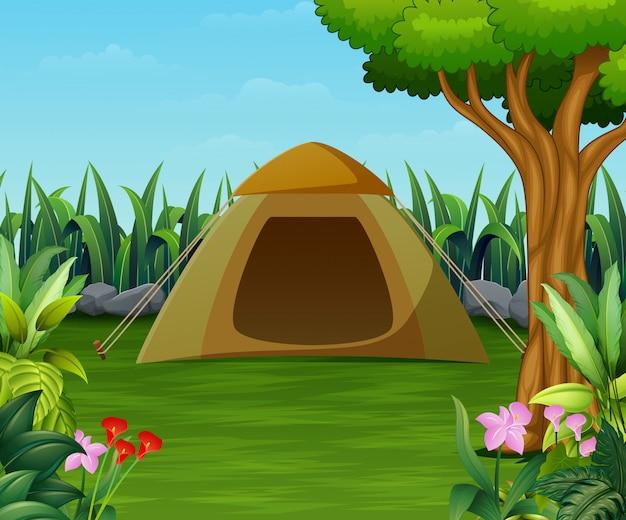 Zona de acampamento com cena de barraca no belo jardim