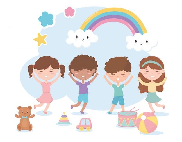 Zona de crianças, bonitos meninos e meninas com brinquedos de tambor de bola de carro de urso
