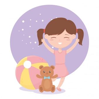Zona de crianças, menina bonitinha com ursinho de pelúcia e brinquedos de bola