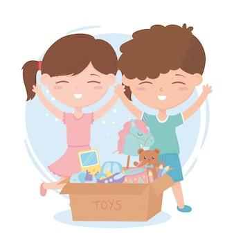 Zona de crianças, menino e menina com caixa de papelão de brinquedos