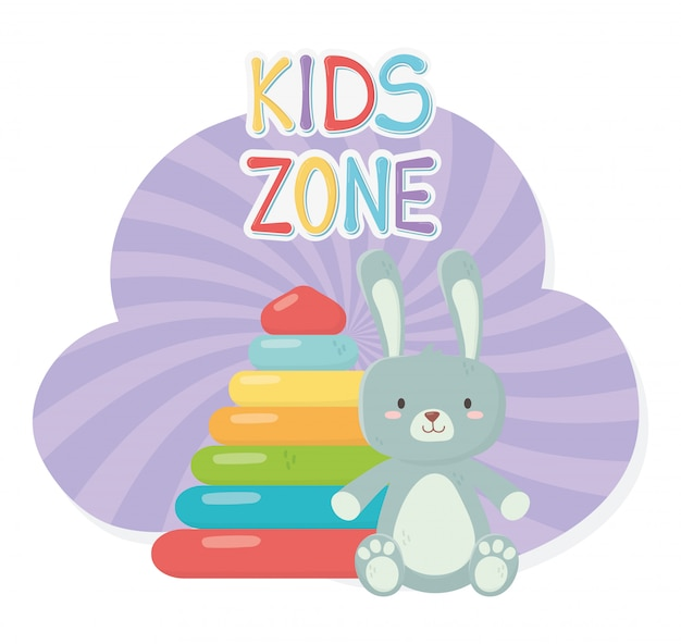Zona infantil, pirâmide de borracha e brinquedos peludos de coelho