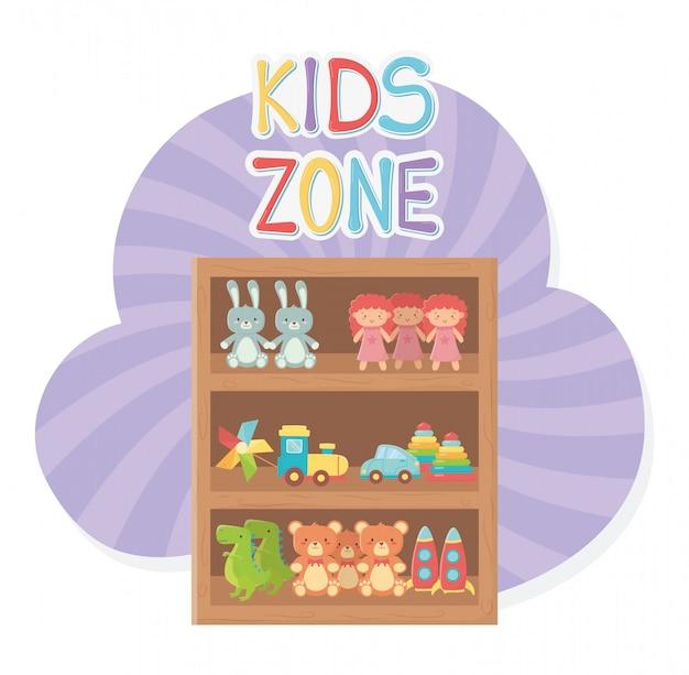 Zona infantil, prateleira de madeira com brinquedos