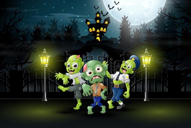 Zumbi feliz comemorar a festa de halloween ao ar livre à noite