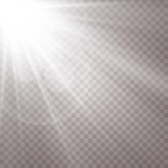 Abbagliamento del sole su sfondo trasparente.