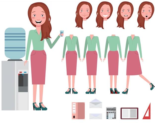 Acqua potabile della donna di affari dal set di caratteri più freddo