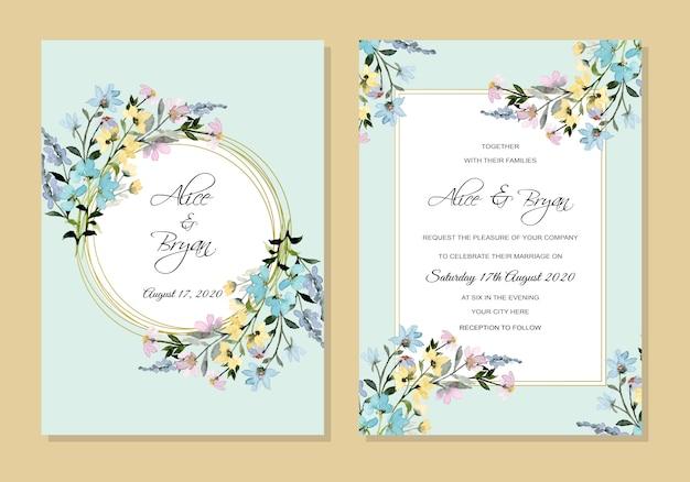Acquerello floreale dell'invito di nozze con fondo blu molle