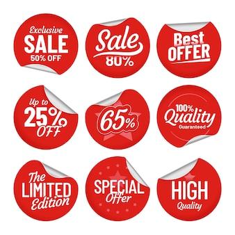 Adesivo in vendita. etichetta dell'etichetta di acquisto, autoadesivi rossi di vendita con il bordo piegato e prezzo fuori dall'insieme isolato etichette