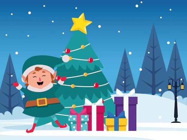 Albero di natale con scatole regalo ed elfo felice dei cartoni animati