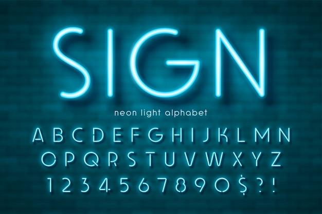 Alfabeto di luce al neon, carattere extra luminoso. controllo colore campione.