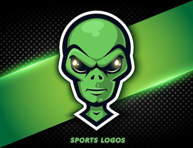 Alieno aggressivo logo professionale. mascotte sportiva, etichetta e-sports.