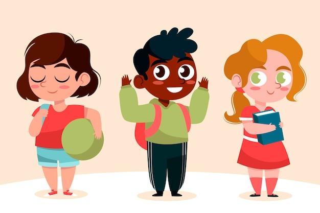Allievi felici che ritornano a scuola in autunno