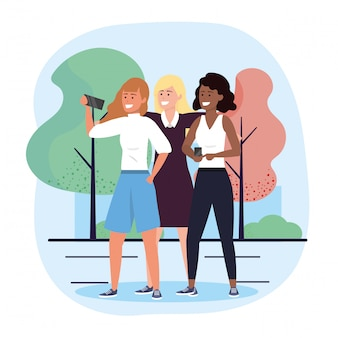 Amici delle donne insieme al selfie dello smartphone
