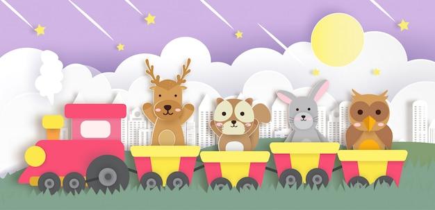 Animali dello zoo cavalcando un treno colorato da cervi, scoiattoli, coniglio, gufo
