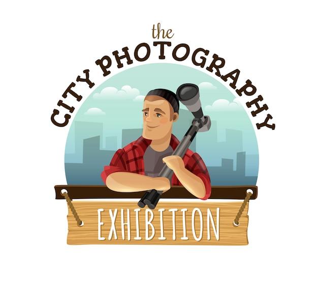 Annuncio su ordinazione di progettazione di logo di fotografia unica della città con la macchina fotografica della tenuta dell'uomo contro paesaggio urbano variopinto