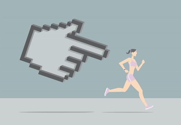 App per il monitoraggio del fitness. ragazza che corre inseguita dal puntatore a mano.