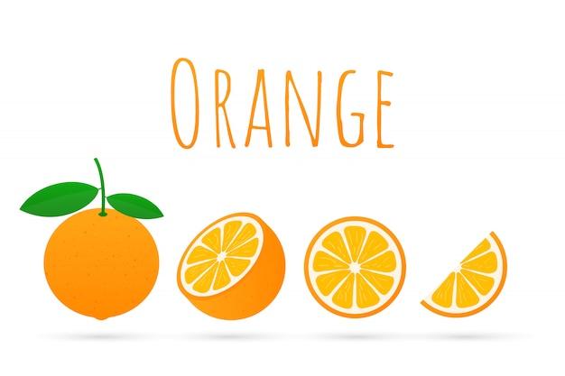 Arancia con foglie intere e fettine di arance.