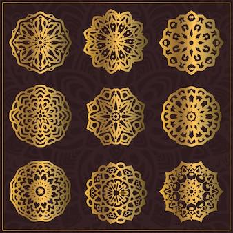 Arte di lusso oro mandala con bel colore e ornamento floreale circolare