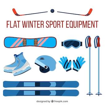 Assortimento di accessori per lo sci