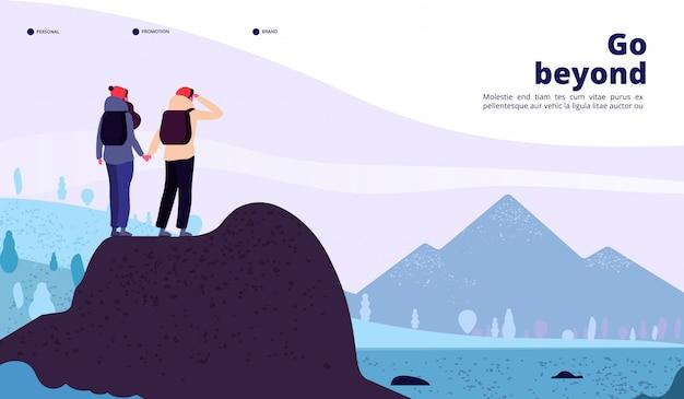 Atterraggio avventura all'aperto. coppia con zaino arrampicata in montagna alla ricerca di un nuovo orizzonte. pagina di vettore di web turismo stile di vita sano