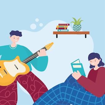 Attività della gente, uomo che suona la chitarra e libro di lettura della ragazza sul divano