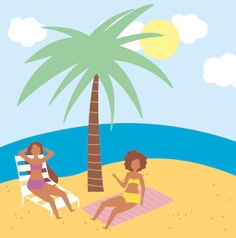 Attività estive, donne in spiaggia che poggiano su sedia e asciugamano, relax in riva al mare e svago all'aperto