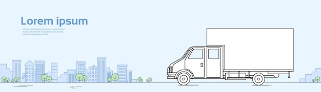 Automobile del camion sull'insegna di concetto di consegna della spedizione di carico della strada