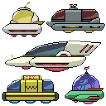 Automobile di fantascienza isolata insieme di arte del pixel