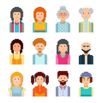Avatar di volti maschili e femminili di pixel. stile grafico a 8 bit. illustrazione. collezione di simpatici volti colorati