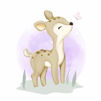 Baby cervi sull'erba