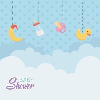 Baby shower card con accessori appesi