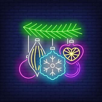 Bagattelle sull'insegna al neon del ramoscello dell'albero di abete