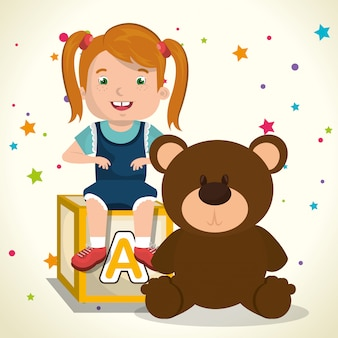Bambina che gioca con il personaggio dei giocattoli