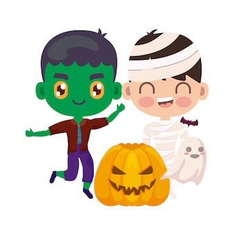 Bambini carini travestiti a halloween