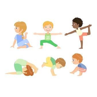 Bambini che fanno le pose avanzate di yoga