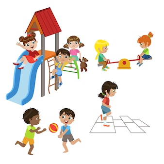 Bambini che giocano insieme all'aperto