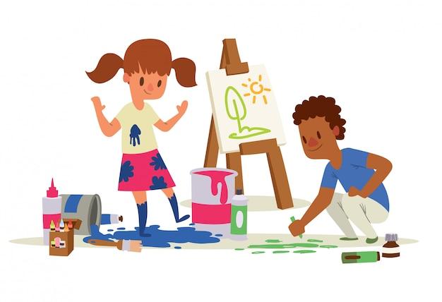 Bambini creativi. ragazza e ragazzo disegno, pittura, schizzi su cavalletto.