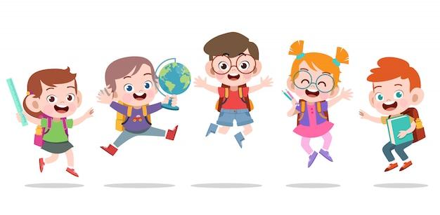 Bambini felici che saltano