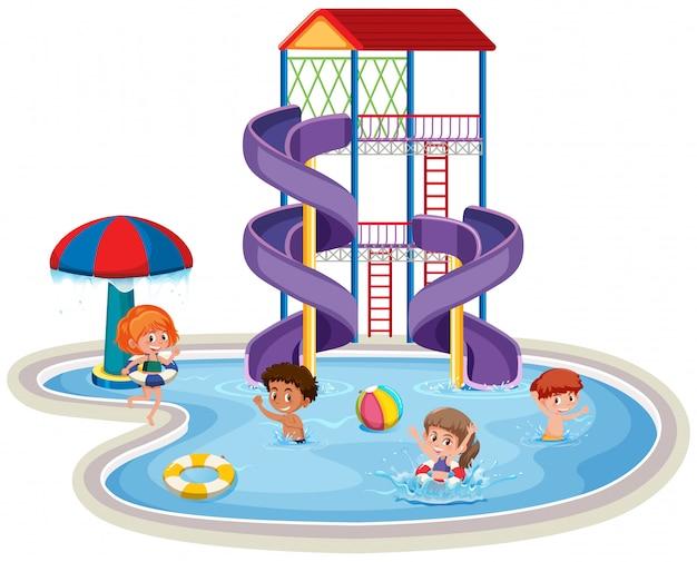 Bambini in un parco acquatico