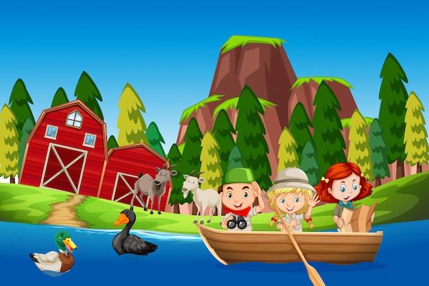 Bambini in una scena di fattoria in barca