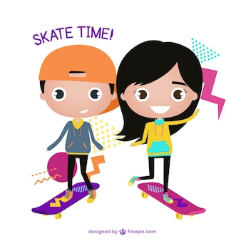 Bambini sorridenti con i loro skateboard