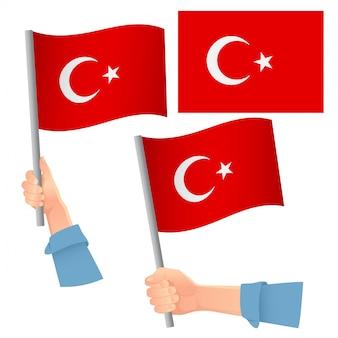 Bandiera della turchia in mano insieme