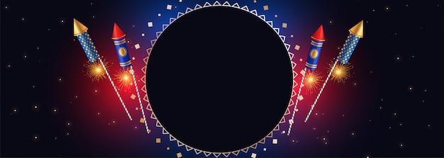 Bandiera felice di diwali con i cracker e lo spazio del testo
