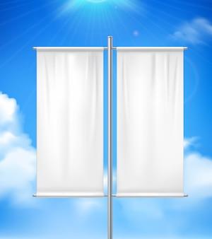 Bandiera realistica in bianco bianca della bandiera dell'insegna del doppio palo all'aperto