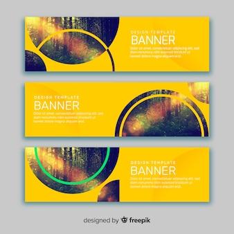 Bandiere gialle con immagini